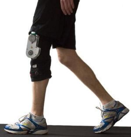 Knee_brace_photo_credit_greg_ehlers